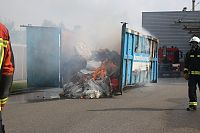 Grote containerbrand Rouaanstraat (Video)