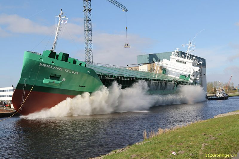 Tewaterlating van de Arklow Clan bij Ferus Smit (Video)