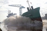 Tewaterlating van de Arklow Viking (Video)