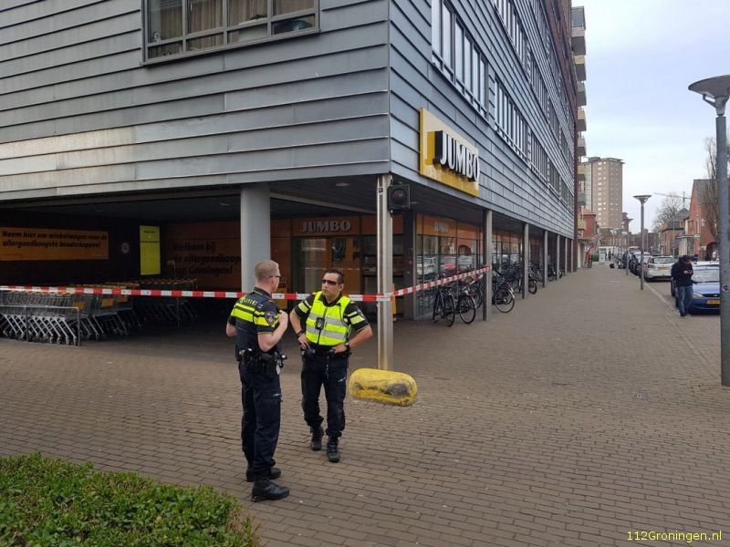 Supermarkt in stad overvallen: Dader(23) gepakt (Video)
