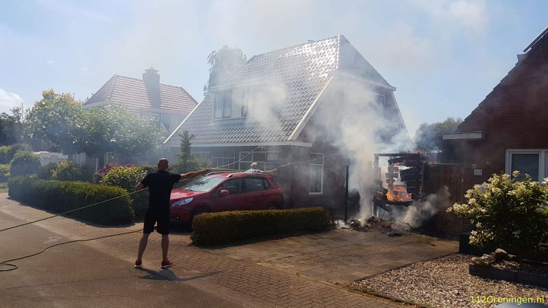 Schuttingbrand in Scheemda (Video)