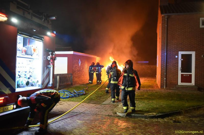 Auto door brand verwoest in Beerta (Video)