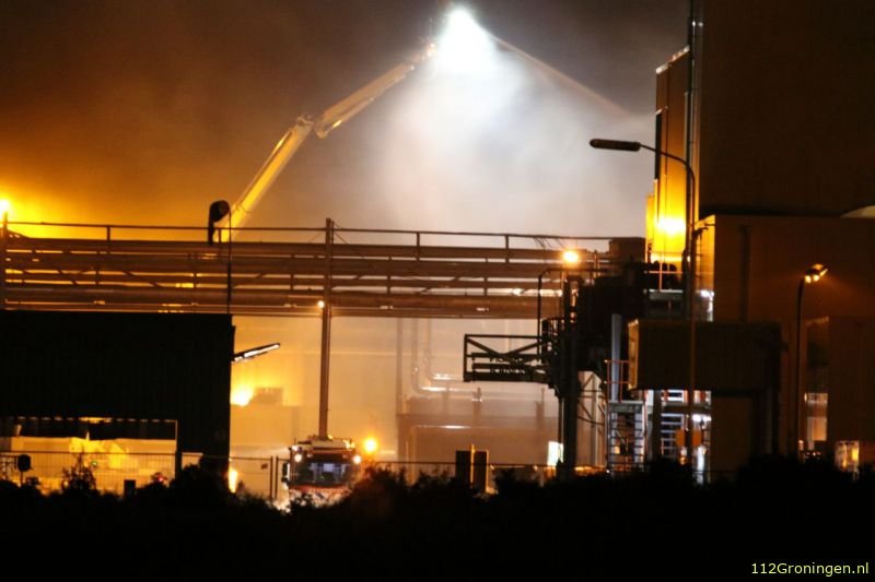 Grote brand in Foxhol onder controle (Video)