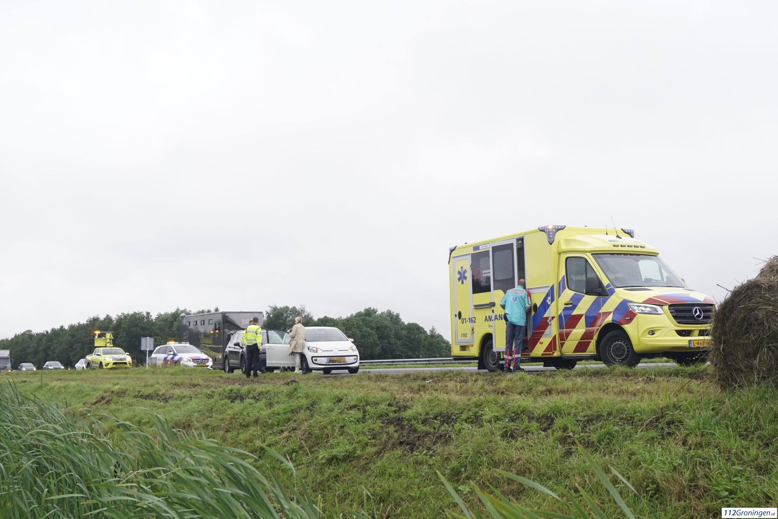 Voertuigen raken zwaar beschadigd na aanrijding A7 Lettelbert.