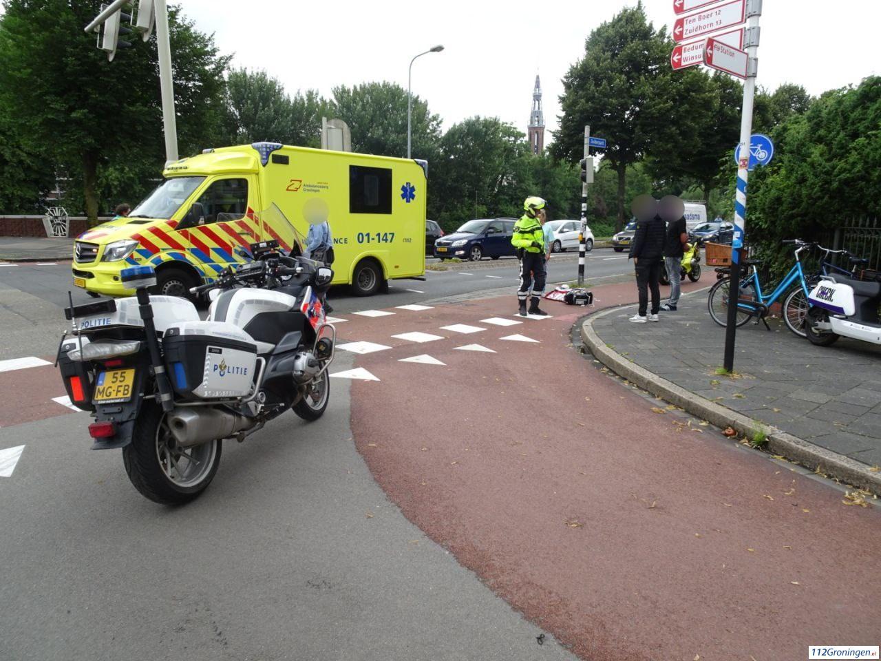 Fietser gewond bij verkeersongeluk in stad Groningen.