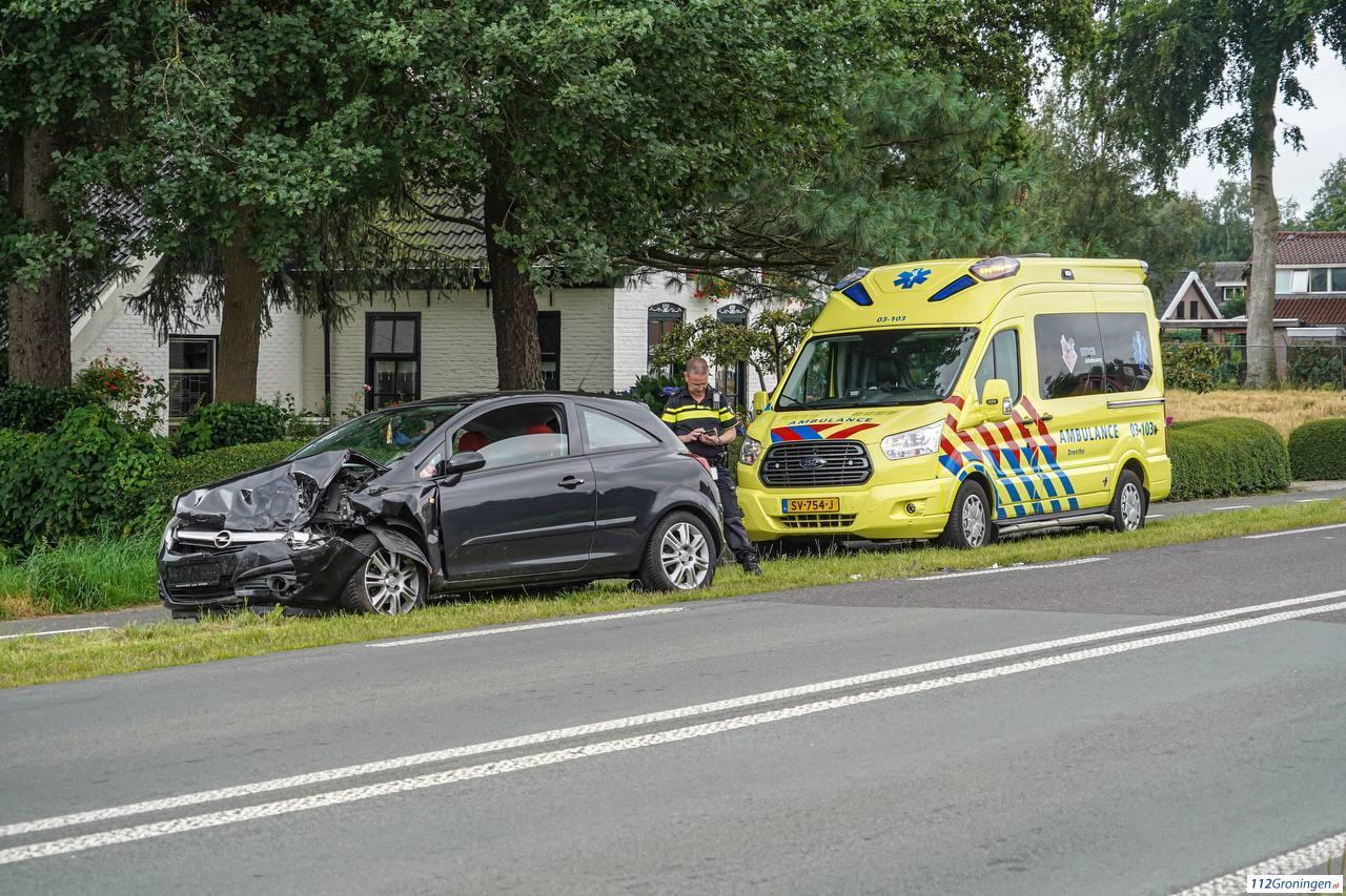 Twee auto s fors beschadigd bij kopstaart-botsing in Tynaarlo.