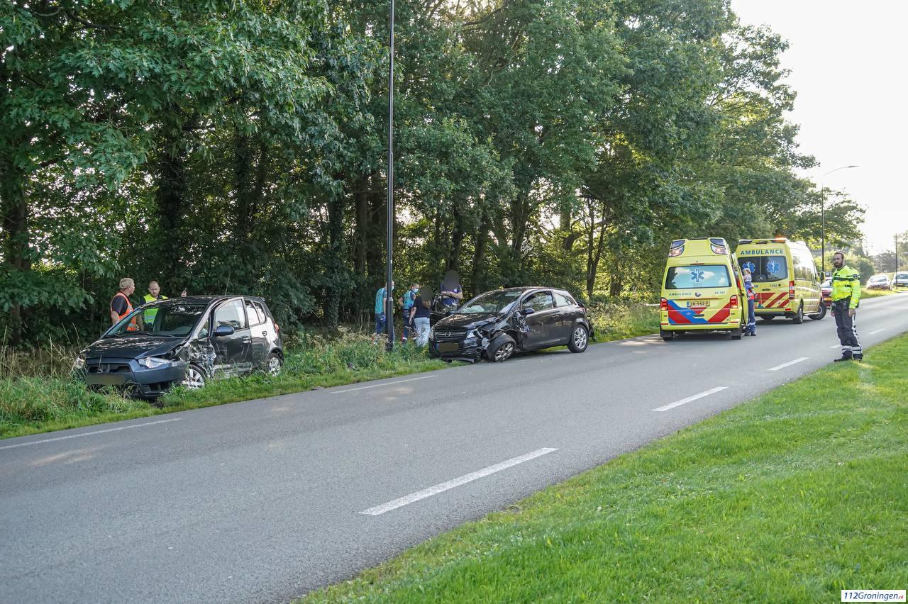 Twee gewonden bij frontale botsing in Eelde.