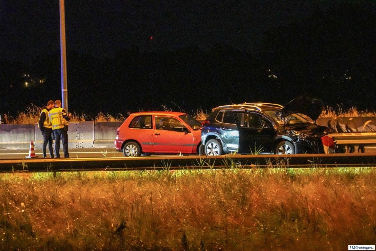 Meerdere voertuigen betrokken bij verkeersongeluk op A28.