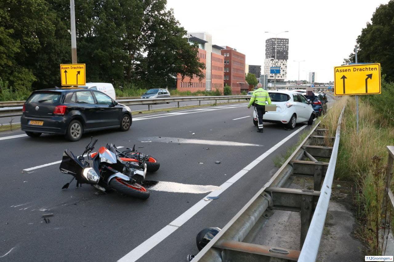Meerdere voertuigen betrokken bij verkeersongeluk op westelijke ringweg.
