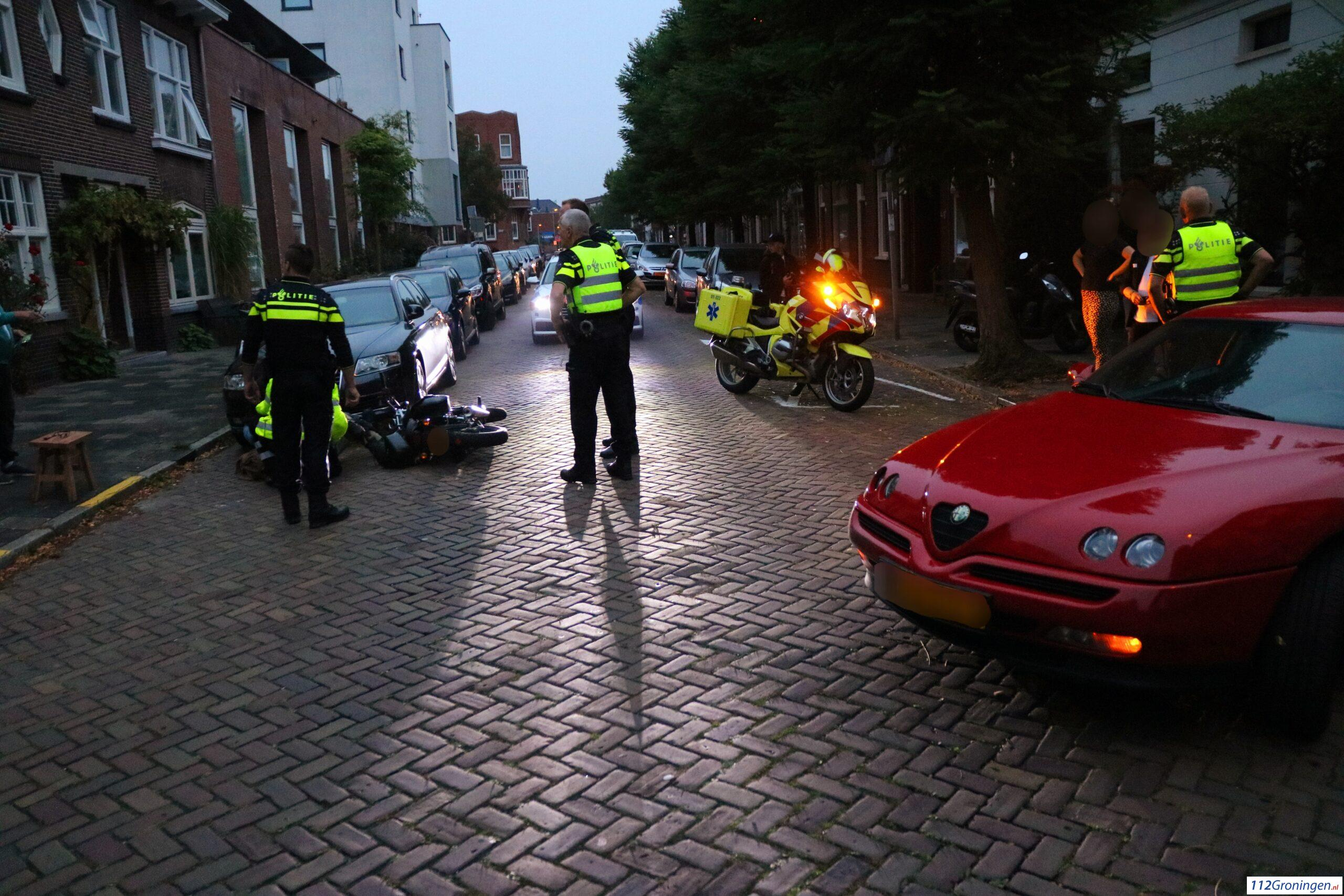 Bromfietser naar ziekenhuis na aanrijding met automobilist.