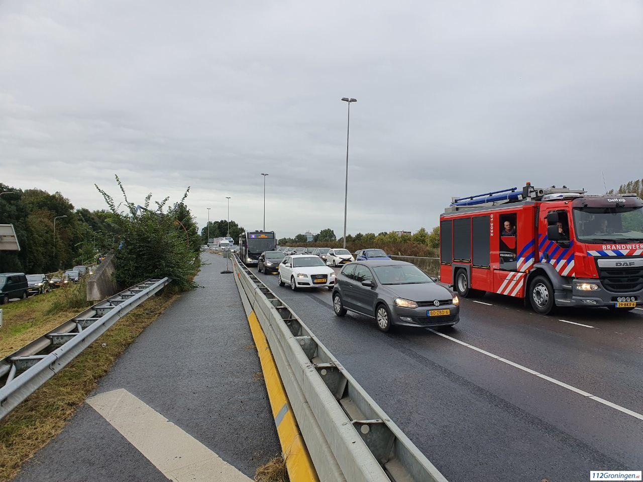 Flinke file door ongeval op de A28 bij Groningen.