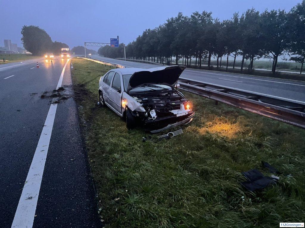 Forse schade na ongeval op A7 bij Kolham.