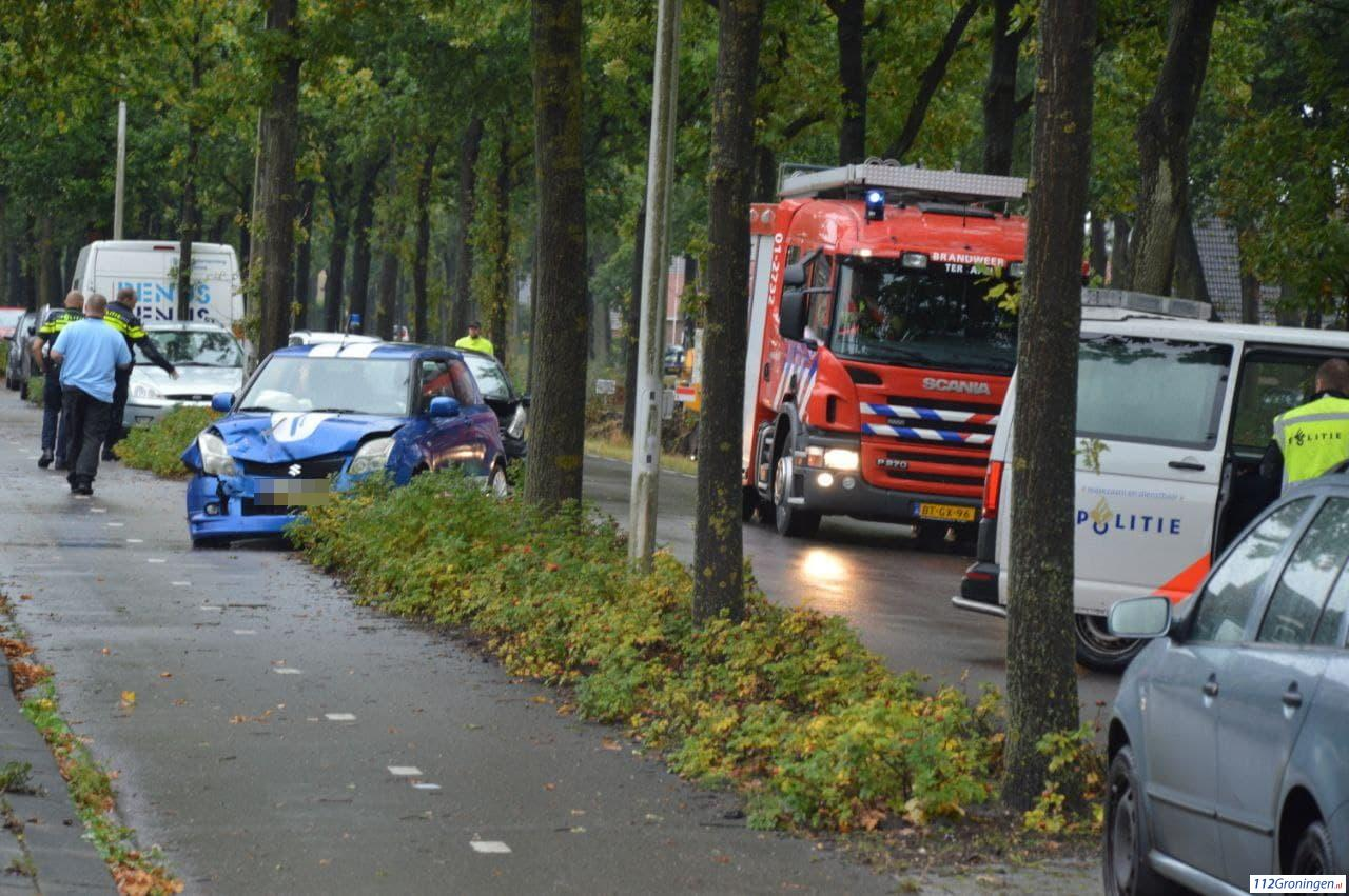 Twee voertuigen raken beschadigd bij ongeval Ter Apelkanaal Oost.